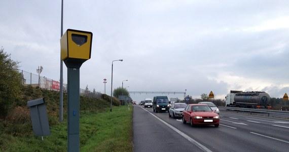 Co się dzieje, gdy na Wyspach Alandzkich najbogatszy mieszkaniec archipelagu przekroczy dozwoloną prędkość o 21 kilometrów na godzinę? Kierowca dostaje wyjątkowo wysoki mandat.