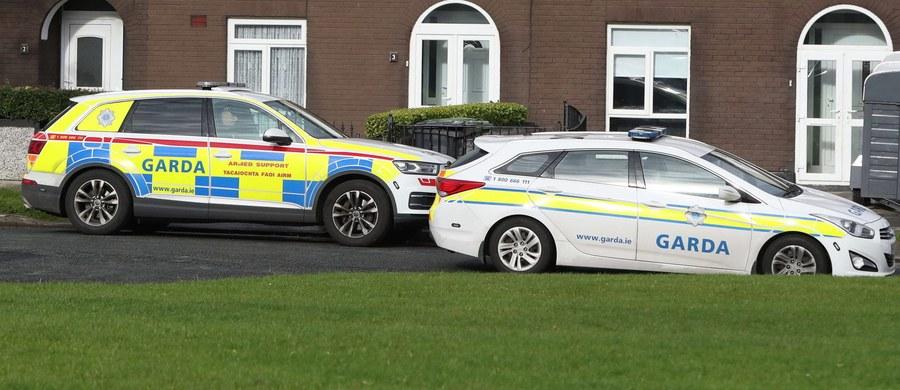 Irlandzka policja wciąż poszukuje zabójców 35-letniego Polaka, który w weekend został napadnięty w swoim domu w Ballincollig. Żona mężczyzny, która została ranna w tym ataku, opowiedziała funkcjonariuszom o wydarzeniach tamtej tragicznej nocy.