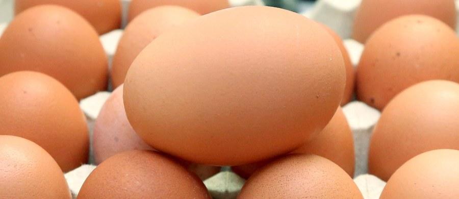 Ponad 73 tys. skażonych fipronilem jaj z Holandii wycofano ze sprzedaży w sześciu niemieckich landach. Władze tych landów zapewniają, że nie ma zagrożenia dla zdrowia ludzi, a obecne działania są jedynie środkiem ostrożności – informują niemieckie media.