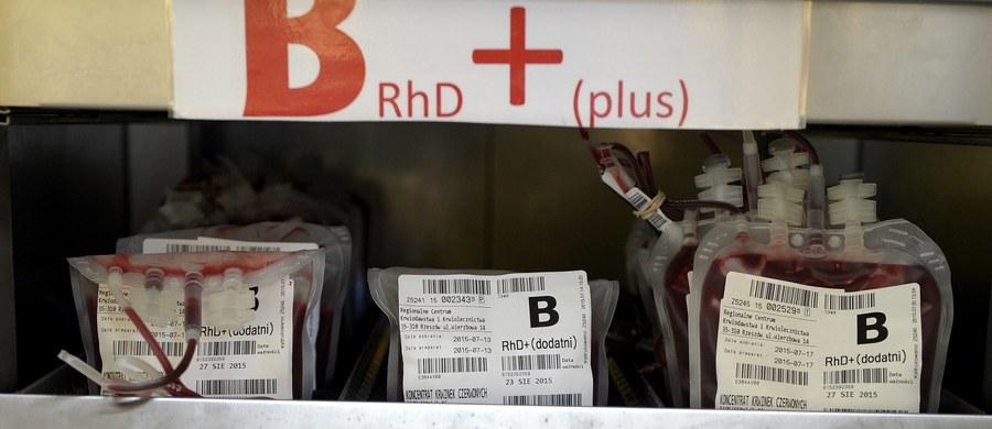 """Dziś obchodzony jest Światowy Dzień Krwiodawcy. """"Każdy honorowy dawca i każda kropla podarowanej bezinteresownie krwi są na wagę złota"""" – podkreśla prezes Porozumienia Pracodawców Ochrony Zdrowia Bożena Janicka. """"Apelujemy do wszystkich, którym nieobojętny jest los polskich pacjentów - dołączcie do grona honorowych krwiodawców"""" – zachęca."""