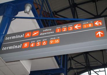 Awaryjne lądowanie w Pyrzowicach: Na pokładzie samolotu było ponad 170 osób
