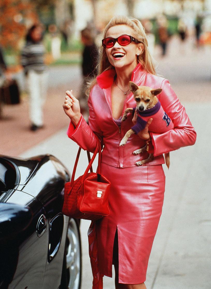 """Fanów """"Legalnej blondynki"""" ucieszy wiadomość, że postać ta powróci na ekrany kin. Odtwórczyni tytułowej bohaterki Reese Witherspoon ogłosiła na Instagramie powrót do tej roli."""