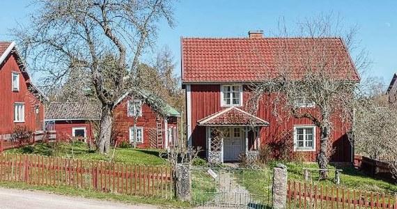 Dom w Bullerbyn, w którym wychowały się Lisa, Lasse i Bosse został wystawiony na sprzedaż. Jest do kupienia za 850 000 koron szwedzkich, czyli 357 850 złotych.