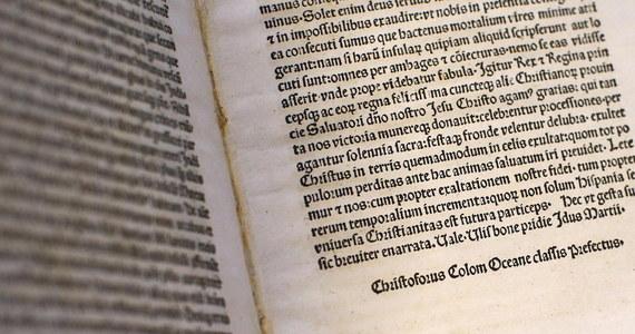 USA oddały Watykanowi jedną z rzadkich kopii listu Krzysztofa Kolumba, który po powrocie z wyprawy do Ameryki napisał do króla Ferdynanda Aragońskiego i królowej Izabeli. Wartość dokumentu z 1493 roku, skradzionego z Biblioteki Watykańskiej, to 1,2 mln dolarów.