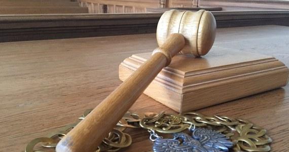 Jest prawomocny wyrok w sprawie mężczyzny, który na strzelnicy w Chorzowie zastrzelił instruktora. Dziś sąd apelacyjny w Katowicach skazał napastnika na dożywocie. Tym samym podtrzymany został wyrok sądu pierwszej instancji.