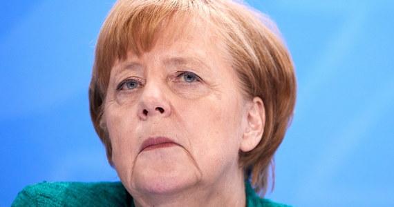 Spór w sprawie zaostrzenia przepisów migracyjnych między CDU i CSU to pierwszy kryzys w nowym rządzie Angeli Merkel - oceniają niemieckie gazety. Los koalicji ma zależeć od skuteczności mediacji przewodniczącego Bundestagu Wolfganga Schaeublego.