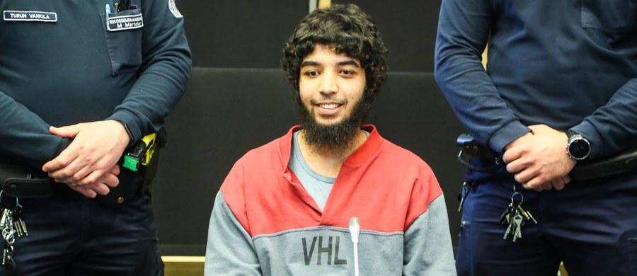 Marokańczyk, który w sierpniu ubiegłego roku na rynku w Turku, w południowo-zachodniej Finlandii, zaatakował nożem przechodniów zabijając dwie osoby i raniąc osiem, został skazany na dożywocie. Sąd uznał, że był to atak o podłożu terrorystycznym.