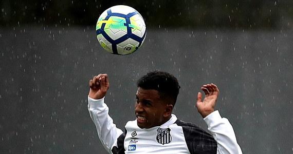 """Real Madryt pozyskał za - według lokalnych mediów - 45 milionów euro 17-letniego piłkarza brazylijskiego Rodrygo. Zawodnik FC Santos ma jednak dołączyć do """"Królewskich"""" dopiero za rok."""