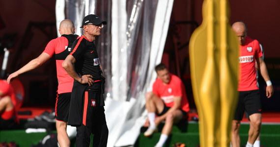 Polscy piłkarze w sobotę nie będą trenować ani udzielać się medialnie. Jak poinformował w piątek wieczorem rzecznik reprezentacji i PZPN Jakub Kwiatkowski, dostali od selekcjonera wolne.
