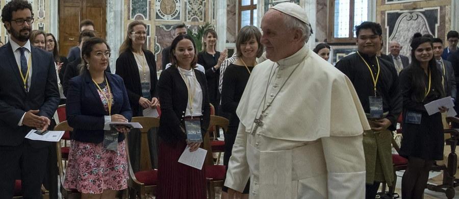 Papież Franciszek porównał w sobotę dokonywanie aborcji z powodu chorób i wad płodu do działań nazistów. Mówił o tym podczas spotkania z forum włoskich rodzin.