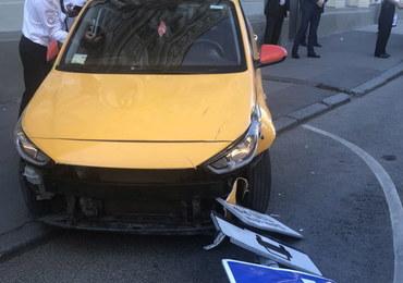 Wypadek w Moskwie. Taksówka wjechała w tłum ludzi, wśród rannych są kibice