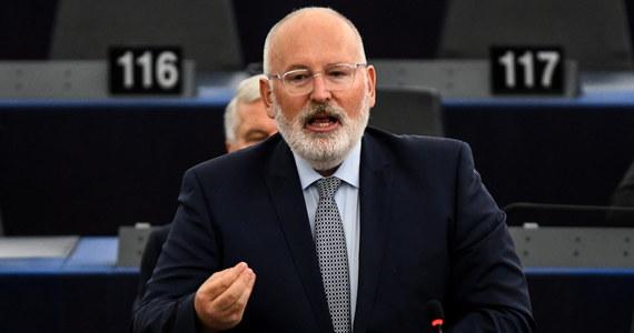 Polscy dyplomaci twierdzą, że spotkanie ambasadorów UE, na którym zdecydowano o kolejnym kroku w procedurze art. 7 wobec Polski, świadczy o malejącym poparciu dla KE. Inni dyplomaci w Brukseli są zdania, że brak poparcia KE przez część krajów, nie znaczy, że nie poprą jej w przyszłości.