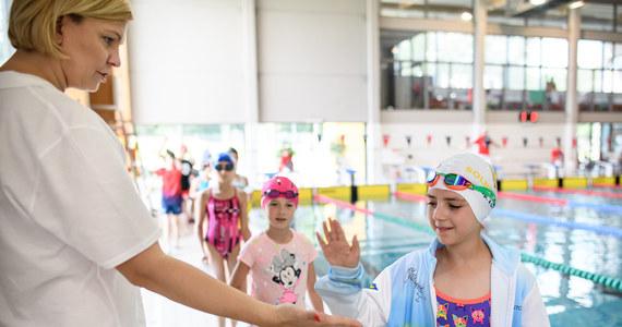"""""""Otylia Swim Cup to dobre miejsce, by wyszukiwać talenty. Są z nami zawodnicy i zawodniczki, które obserwujemy od dłuższego czasu i widzę, że robią duże postępy"""" - mówi Otylia Jędrzejczak, której fundacja zorganizowała dwudniową imprezę pływacką dla blisko 600 dzieci w Gliwicach."""