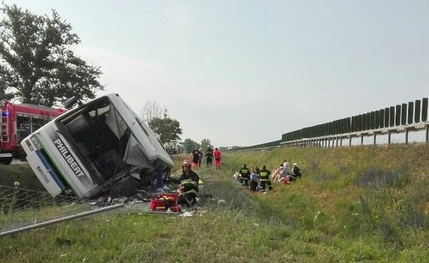 Wypadek autobusu na trasie krajowej numer 91 w miejscowości Konstantynowo w woj. kujawsko-pomorskim. Nie żyją dwie osoby, rannych jest 29 kolejnych. Autobus przewoził do Gdańska osoby z koła seniorów spod Płocka.