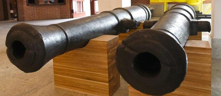 250 letnie działa wydobyte z Bałtyku można podziwiać w Narodowym Muzeum Morskim w Gdańsku. Każda z armatnich luf mierzy prawie 3,5 metra i waży niemal 1,5 tony. Można je oglądać w holu placówki.