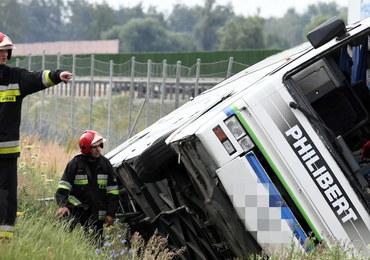 Tragiczny wypadek autobusu w Konstantynowie. Jedną z branych pod uwagę przyczyn awaria pojazdu