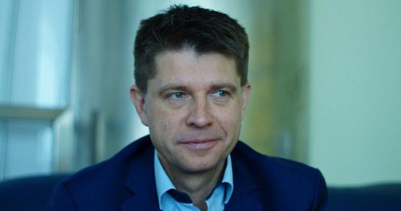 """""""Przygotowujemy alternatywę programowo-polityczną dla PiS"""" - zapowiedział Ryszard Petru podczas wizyty w Radomsku (Łódzkie). Polityk zapowiedział, że nowe ugrupowanie, którego ma być jednym z liderów, może zostać powołane po jesiennych wyborach samorządowych."""