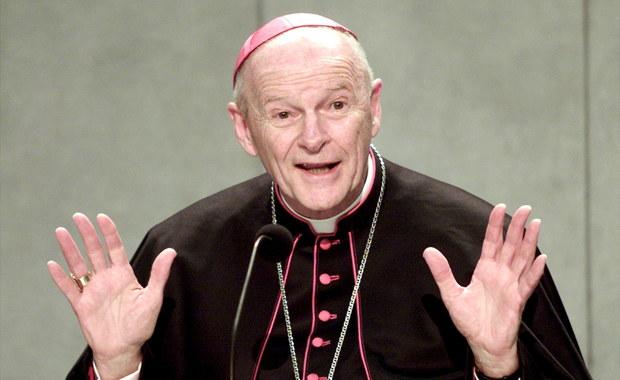 Kardynał Theodore McCarrick, były arcybiskup Nowego Jorku i Waszyngtonu został oskarżony o molestowanie seksualne. O sprawie został już poinformowany Watykan, który zawiesił 87-letniego hierarchę do czasu podjęcia w jego sprawie ostatecznej decyzji.