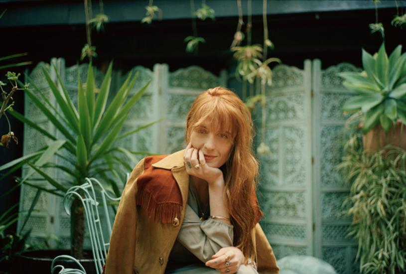 """""""Big God"""" to kolejny singel zapowiadający nowy album Florence and the Machine """"High as Hope"""". W sieci dostępny jest już teledysk do piosenki."""