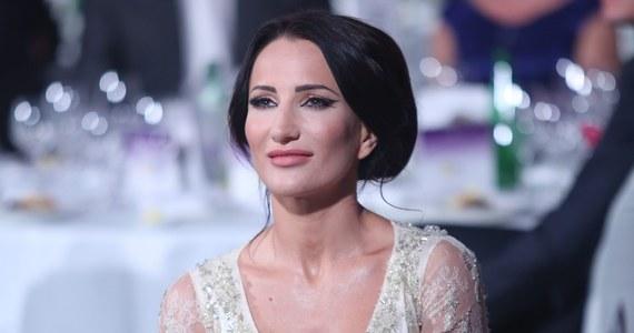Znana piosenkarka Justyna Steczkowska straciła prawo jazdy na trzy miesiące. Informację dostaliśmy na Gorącą Linię RMF FM.