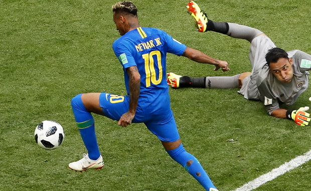 Brazylijczyk Neymar zapisał się w historii piłkarskich mistrzostw świata jako zdobywca bramki zdobytej najpóźniej w regulaminowym czasie - poinformowała FIFA. W piątkowym meczu z Kostaryką (2:0) wpisał się na listę strzelców w siódmej minucie doliczonego czasu gry.