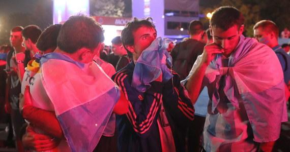 """Siedmiu kibiców argentyńskich zatrzymała rosyjska policja po czwartkowym meczu z Chorwacją w piłkarskich mistrzostwach świata. FIFA poinformowała, że jest """"zszokowana"""" zachowaniem Argentyńczyków na stadionie w Niżnym Nowogrodzie."""