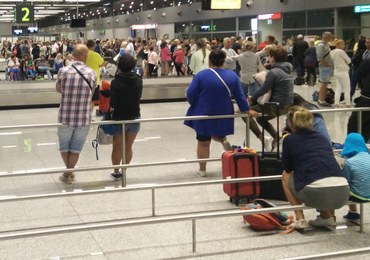Zator na lotnisku w Pyrzowicach. Turyści kilka godzin czekali na bagaż