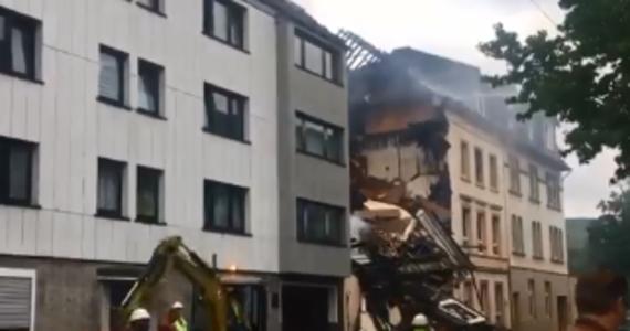 25 osób zostało rannych w wyniku eksplozji, która wywołała pożar w budynku w Wuppertalu na zachodzie Niemiec. Służby wciąż starają się opanować ogień.