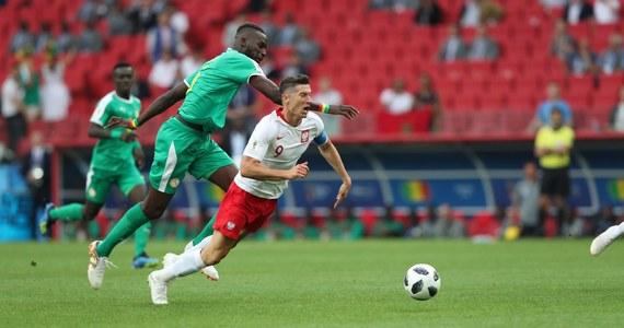 Międzynarodowa Federacja Piłkarska (FIFA) poinformowała o ukaraniu Polskiego Związku Piłki Nożnej grzywną w wysokości 10 tysięcy franków szwajcarskich. To kara za wywieszenie przez polskich kibiców niezgodnego z przepisami transparentu podczas wtorkowego meczu z Senegalem (1:2).