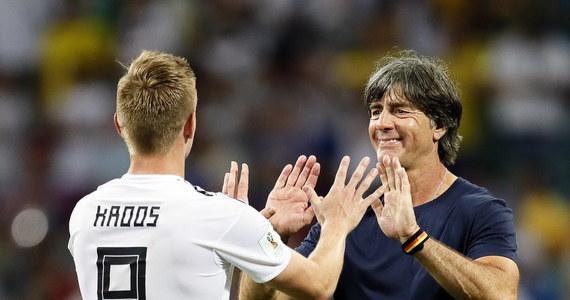 Media szeroko komentują dramatyczny przebieg meczu grupy F mistrzostw świata, w którym niemieccy piłkarze pokonali Szwedów 2:1. Jedni porównują drużynę Joachima Loewa do Realu Madryt z ostatnich lat, inni piszą o mistrzowskiej rehabilitacji Toniego Kroosa.
