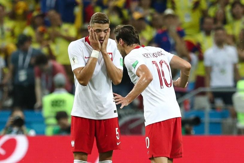 Przegrany 0-3 mecz z Kolumbią na Mistrzostwach Świata w Piłce Nożnej w Rosji sprawił, że również muzycy ruszyli do podsumowań ostatnich wyczynów naszej reprezetancji. W mocnych słowach o kadrze wypowiedzieli się m.in. Tymon Tymański, Mielzky i KęKę.