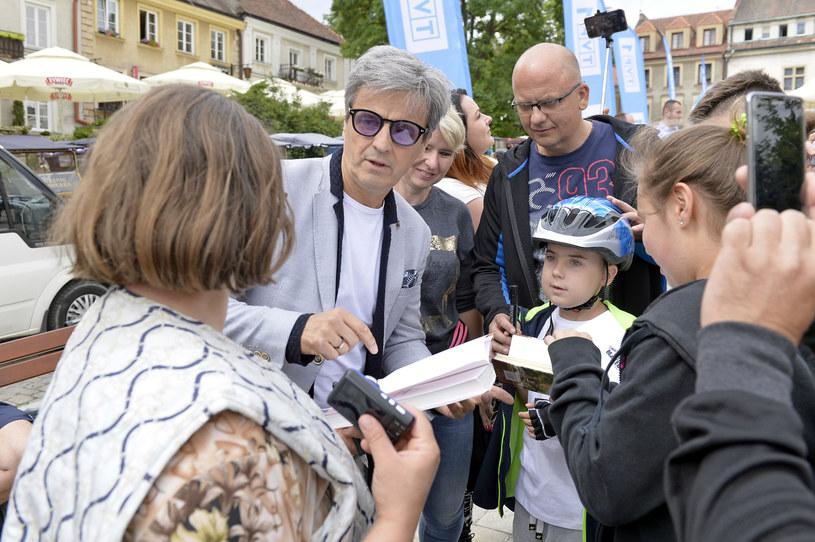 """23 czerwca w Sandomierzu odbył się I Zlot Fanów """"Ojca Mateusza"""", kryminalno-obyczajowego serialu TVP1, który w tym roku świętuje jubileusz 10-lecia swego istnienia."""
