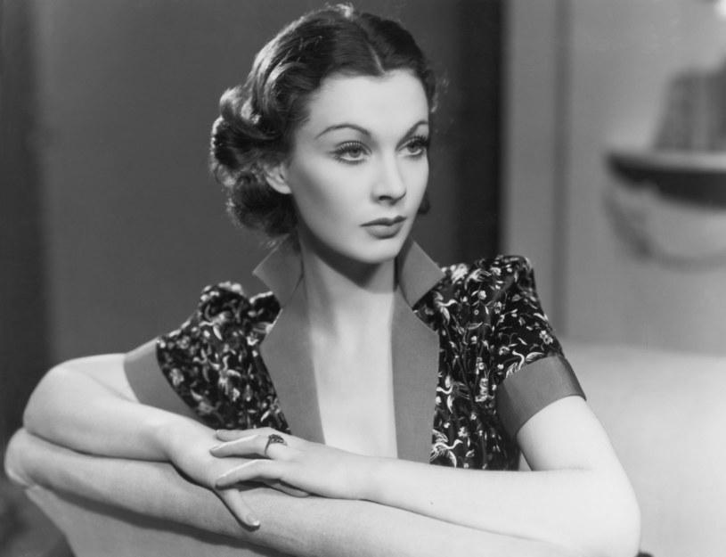 """Jej filmowa bohaterka Scarlett O'Hara mówiła: """"Pomyślę o tym jutro"""". Ona zaś przejmowała się wszystkim na zapas. """"Kołyszę się między szczęściem a nieszczęściem. Mówię, co myślę, niczego nie udaję i jestem przygotowana na konsekwencje moich zachowań"""" - twierdziła Vivien Leigh."""
