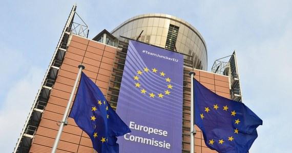 Komisja Europejska nie odniosła się całościowo do zmian w reformach wymiaru sprawiedliwości, które zostały wprowadzone przez Polskę - stwierdza polska strona w informacji przekazanej PAP przez biuro prasowe MSZ. We wtorek Polska ma zostać wysłuchana w ramach procedury z art 7. unijnego traktatu. Wysłuchanie, o które wnioskowała Komisja Europejska, jest kolejnym krokiem w prowadzonej wobec polskich władz procedurze mającej na celu zagwarantowanie praworządności. Jest ono etapem przed ewentualnym głosowaniem w Radzie UE w sprawie stwierdzenia wyraźnego ryzyka poważnego naruszenia przez Polskę wartości unijnych.