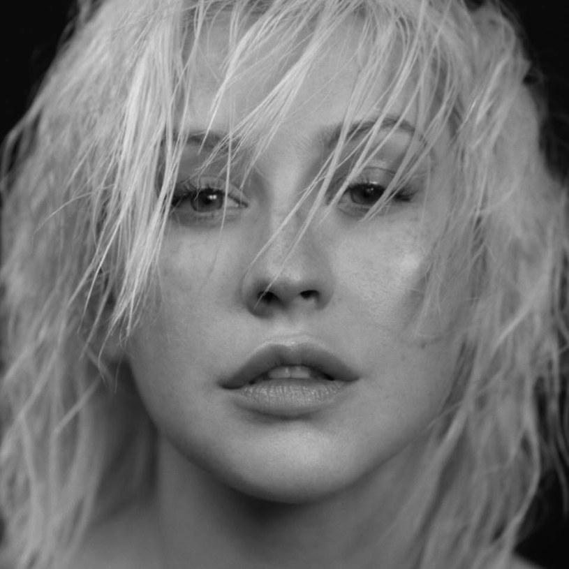 """Christina Aguilera długo nie prezentowała nowego autorskiego materiału. W końcu się zebrała i oto jest - """"Liberation"""", jej ósmy album, z okładką manifestującą powrót do korzeni, do prostoty i do prawdy."""