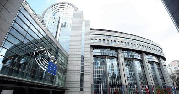 Na następnym posiedzeniu Sejmu, w dniach 3-6 lipca, posłowie zajmą się nowelizacją Kodeksu wyborczego dotyczącą ordynacji wyborczej do Parlamentu Europejskiego - poinformował dyrektor Centrum Informacyjnego Sejmu Andrzej Grzegrzółka.