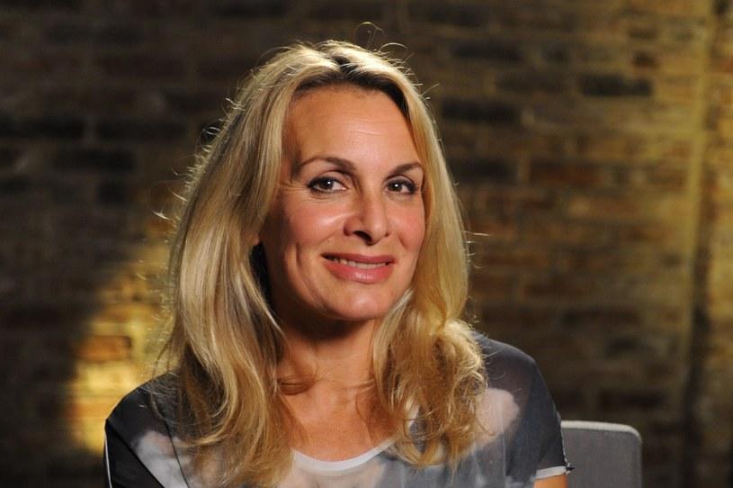 Jay Aston - 57-letnia wokalistka, która zrobiła furorę na Eurowizji na początku lat 80. z zespołem Bucks Fizz - wyznała, że zdiagnozowano u niej raka.