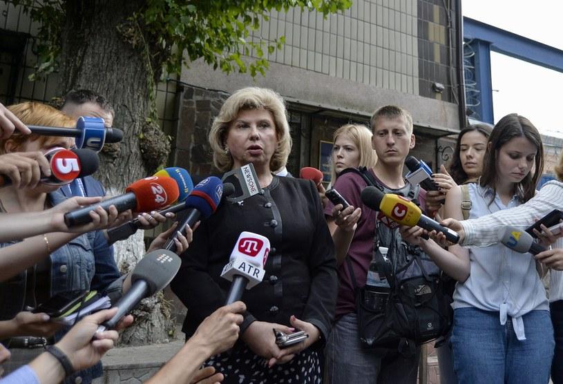 Rosyjska rzeczniczka praw człowieka Tatiana Moskalkowa oświadczyła w czwartek, że stan ukraińskiego reżysera Ołeha Sencowa, prowadzącego głodówkę w kolonii karnej na północy Rosji, jest zadowalający i że Sencow nie chce rozmawiać o przerwaniu protestu.