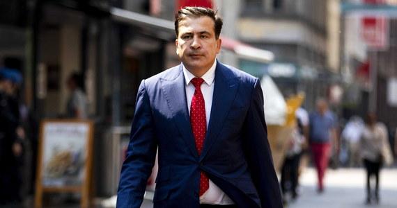 Sąd w Tbilisi skazał w czwartek zaocznie byłego prezydenta Gruzji Micheila Saakaszwilego na 6 lat więzienia za nadużycie władzy i ukrywanie dowodów dotyczących pobicia opozycyjnego deputowanego Walerego Gelaszwilego, w czasie gdy był prezydentem. Zwolennicy byłego prezydenta uznali, że werdykt jest umotywowany politycznie. Sam Saakaszwili odrzuca wszystkie oskarżenia pod jego adresem.