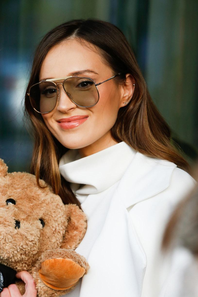 Marina Łuczenko-Szczęsna pochwaliła się swoim zdjęciem z dzieciństwa. Zobaczcie, jak wokalistka wyglądała w 2001 roku.