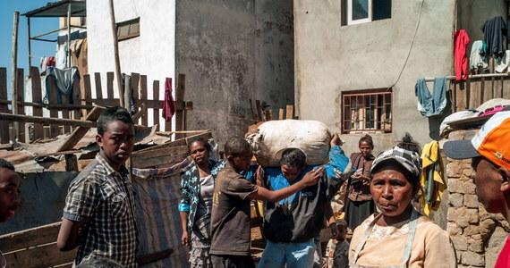 Zgodnie z decyzją Wysokiego Trybunału Konstytucyjnego, 7 listopada, po długim kryzysie politycznym odbędą się na liczącym prawie 25 mln mieszkańców Madagaskarze, czwartej co do wielkości wyspie świata, położonej u wschodniego wybrzeża Afryki, wybory prezydenckie.