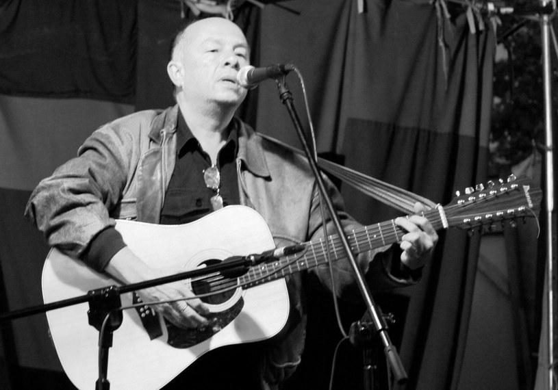 Ceniony polski kompozytor i wykonawca poezji śpiewanej, a także popularny aktor Andrzej Brzeski zmarł 29 czerwca w wyniku choroby nowotworzej w wieku 68 lat.