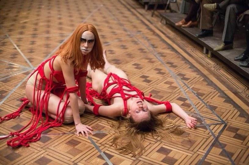 """Luca Guadagnino, reżyser filmu """"Suspiria"""", ujawnił w rozmowie z dziennikiem """"La Repubblica"""", że seans jego nowego dzieła doprowadził Quentina Tarantino do łez."""