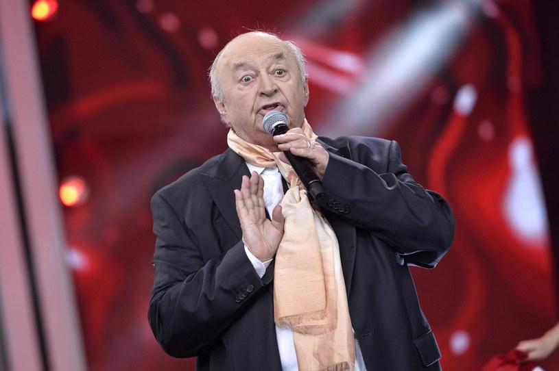 """W sierpniu pojawi się teledysk do tytułowej piosenki z płyty """"Nocny Bohdan"""" Bohdana Łazuki. Niedawna operacja biodra niespełna 80-letniego wokalisty nie pokrzyżowała jednak planów, bo klip będzie animowany."""
