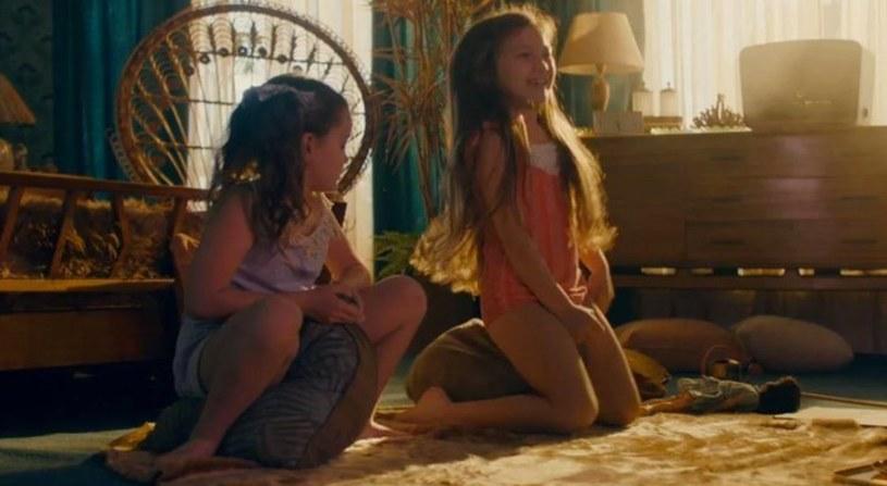 """Internauci są oburzeni argentyńskim filmem """"Desire"""" w reżyserii Diega Kaplana, który znajduje się ofercie Netflixa. Kontrowersje wywołuje jedna z początkowych scen obrazu, w której kilkuletnia dziewczynka doprowadza się przypadkowo do orgazmu."""