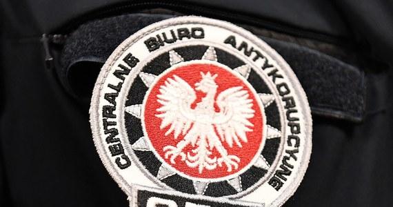 Krakowska prokuratura wnioskuje o trzy-miesięczny areszt dla trzech urzędniczek krakowskiego magistratu. Wczoraj kobiety zostały zatrzymane przez CBA.