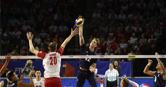Polscy siatkarze w czwartek zmierzą się z Amerykanami w swoim drugim meczu turnieju finałowego pierwszej edycji Ligi Narodów. Biało-czerwoni muszą wygrać z brązowymi medalistami igrzysk w Rio de Janeiro, by zachować szanse awansu do półfinału imprezy w Lille.