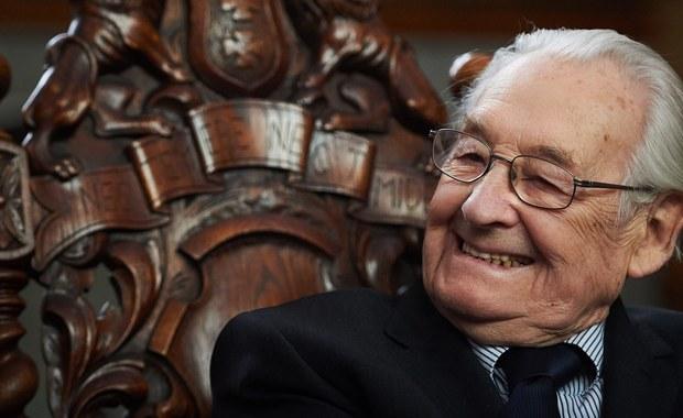 Imieniem Andrzeja Wajdy, zmarłego dwa lata temu reżysera teatralnego i filmowego, nazwany został skwer w pobliżu Teatru im. Juliusza Słowackiego w Krakowie. W ten sposób miasto chce uhonorować jednego z najwybitniejszych twórców światowego kina.