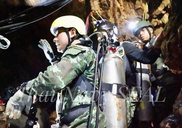 Tajlandia: Dzieci uwięzione w jaskini są w dobrej kondycji, ale zaczyna się walka z czasem