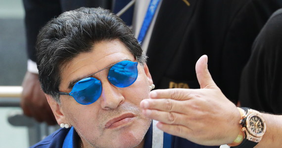 """Słynny Diego Maradona skrytykował występ reprezentacji Argentyny na mistrzostwach świata w Rosji: szczególnie ostro wypowiedział się nt. porażki """"Albicelestes"""" w pojedynku 1/8 finału MŚ z Francją. Mocno dostało się Lionelowi Messiemu, którego Maradona porównał do... postaci z komiksu: małego Indianina Patoruzito."""